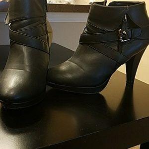 Lane Bryant Leather Booties EUC